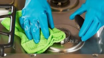 Rimedi della nonna per pulire l'acciaio
