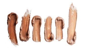 Come rimuovere le macchie di fondotinta dai tessuti